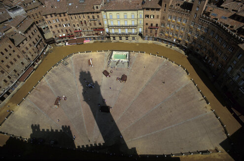 Preparing the Palio, Siena, Italy, market place - 00493HS