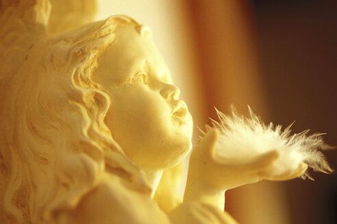 Christmas angel statue, close up - 00074AS