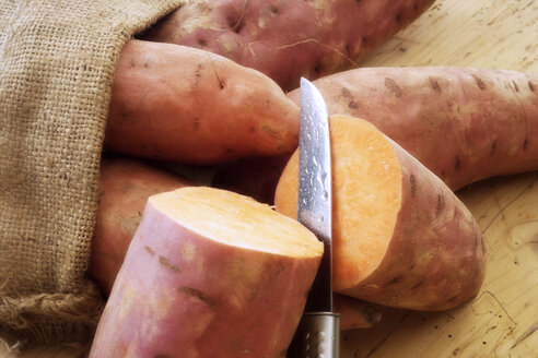 Sweet potatoes, close-up - 01288CS-U
