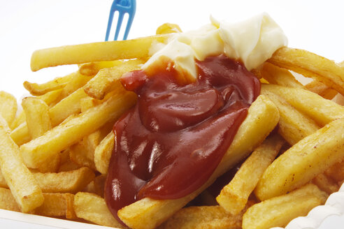 French fries with mayonnaise and ketchup - 00888CS-U