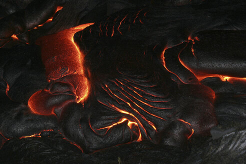 hawaii - pahoehoe lava at night - RM00054