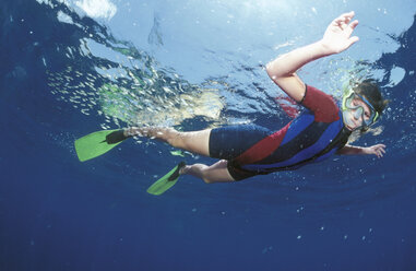 Female diver under water - GN00551