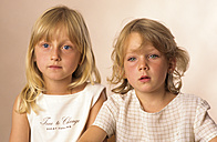 Two girls, portrait - CR00520