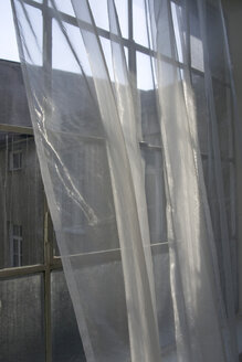 Curtain in front of a window - MN00095