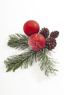 Christmas decoration with Christmas bauble and fir twigs - 09565CS-U