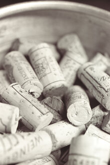 Corks, close-up - THF00047