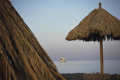 Egypt, Safaga, Thatch on the sandy beach - MR00565