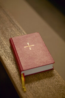 Bible on bench - THF00254