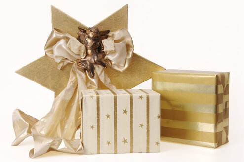 Christmas presents with bow and angel decoration - 00079LR-U