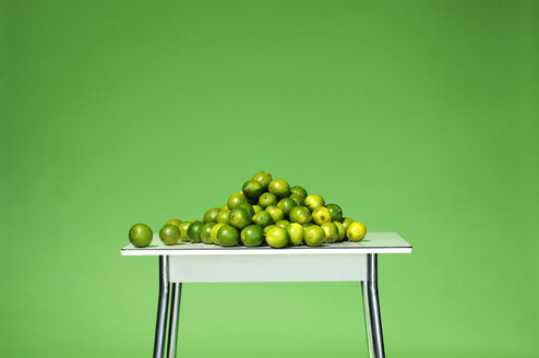 Limes on table - ASF02401