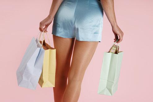 Woman carrying shopping bags - 00131LR-U