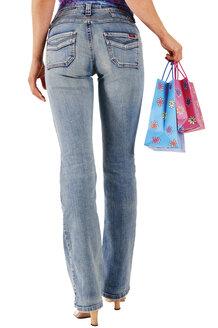 Young woman carrying shopping bags - 00100LR-U