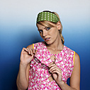 Woman wearing headscarf and sunglasses, portrait - JL00165