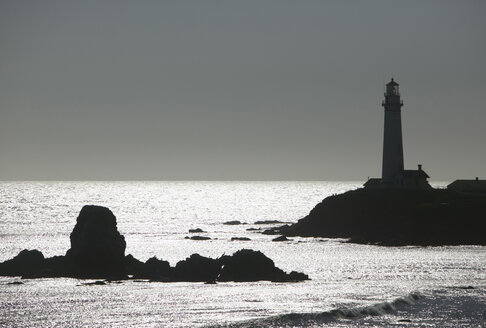 USA, California, coastline in twilight - THF00250