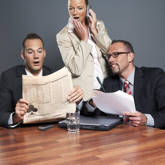 Businesspeople people working in office - JLF00259