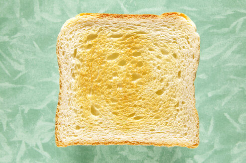 Slice of toast, close-up, elevated view - THF00374