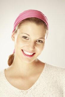 Young woman smiling, portrait - LDF00442
