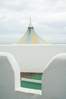 Spain, Fuerteventura, rooftop, clouds - UKF00135