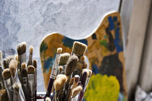 Various paint brushes, close-up - DWF00017