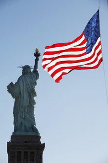 USA, New York City, Liberty-Statue - CHKF00230
