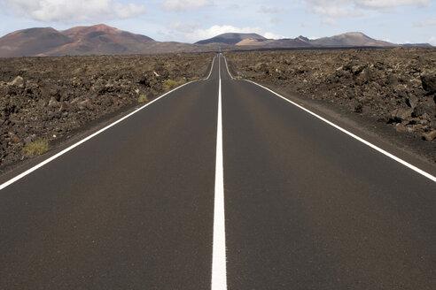 Spain, Lanzarote, road - ABF00117