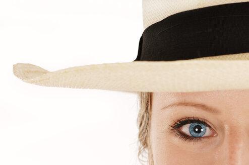 Woman with blue eyes wearing straw hat - 00232LR-U