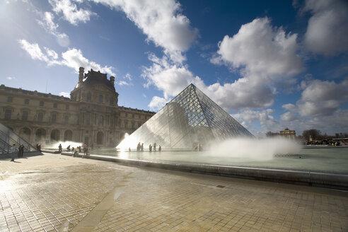 France, Paris, Le Louvre, pyramid construction - MS02053