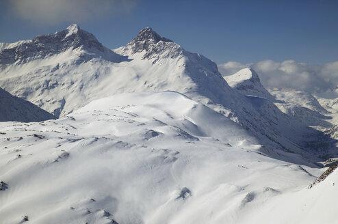 Austria, Vorarlberg, Lech, snowy mountain range - MRF00915