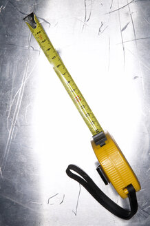 Measuring tape, close-up - THF00573