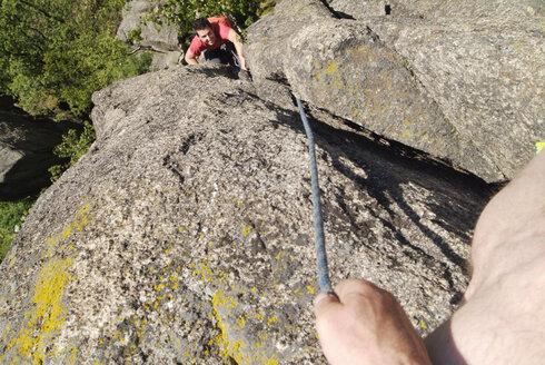 Men climbing - PKF00071