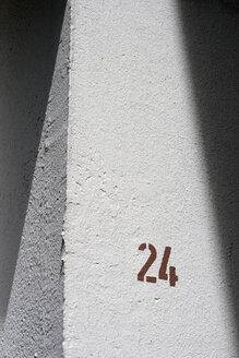 House number 24, close-up - TL00128
