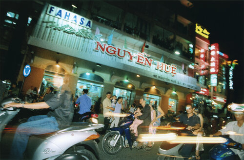 Vietnam, Saigon, Teenager racing on mopeds - MS02147