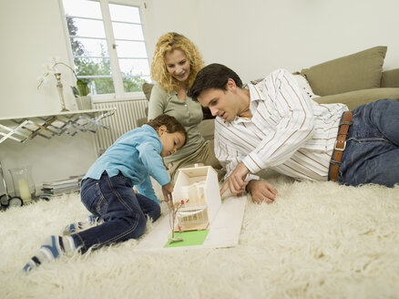 Young family in living room - WESTF06657