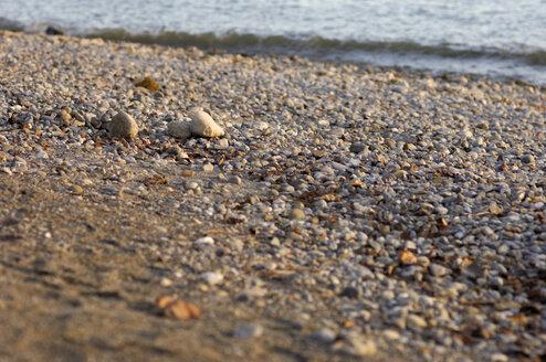 Germany, Lake Constance, Immenstaad, Pebbles on the lakefront - SMF00318