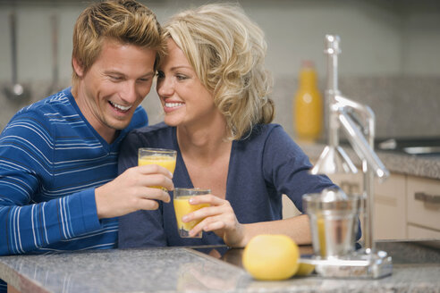 Young couple smiling - HKF00177