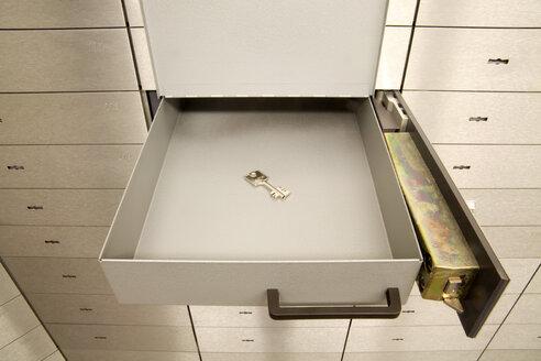 Open safety deposit box - TCF00510