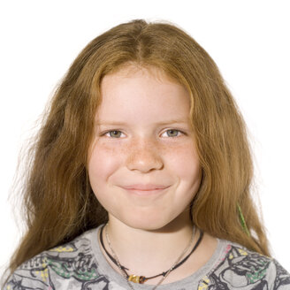 Portrait of a girl (8-9), smilling - MU00203