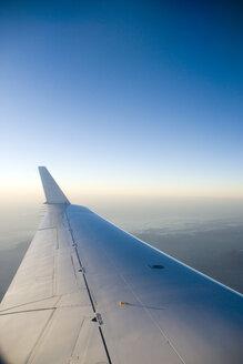 Aircraft in flight, close-up - NHF00699