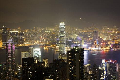 China, Hong Kong, View from Victoria Peak to Kowloon, night - GW00761