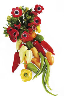 Bunch of flowers and different pepper, elevated view - 00426LR-U