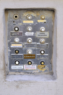 Germany, Bavaria, Munich, Names and doorbells - MB00888