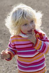Little girl (2-3) years, portrait - SMOF00156