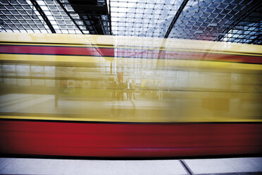 Germany, Berlin, Central Station, Blurred image of train, close-up - 00342DH-U
