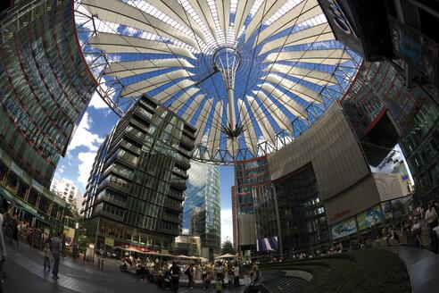 Germany, Berlin, Sony Center at Potsdamer Platz (fish eye view) - 00409DH-U