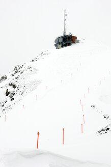 Switzerland, Arosa, Skiing region, Ski slope and antenna - AWD00316