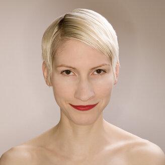 Blonde woman portrait, close-up - UK00169