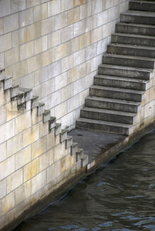 Germany, Berlin, Spree river, Steps on the waterfront - PMF00658
