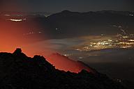 Guatemala, Pacaya, Active volcano, city in background - RM00303