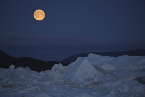 West Greenland, Ilulissat, Iceberg with full moon - RM00271