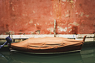 Italy, Venice, Boat anchoring in canal - WWF00333